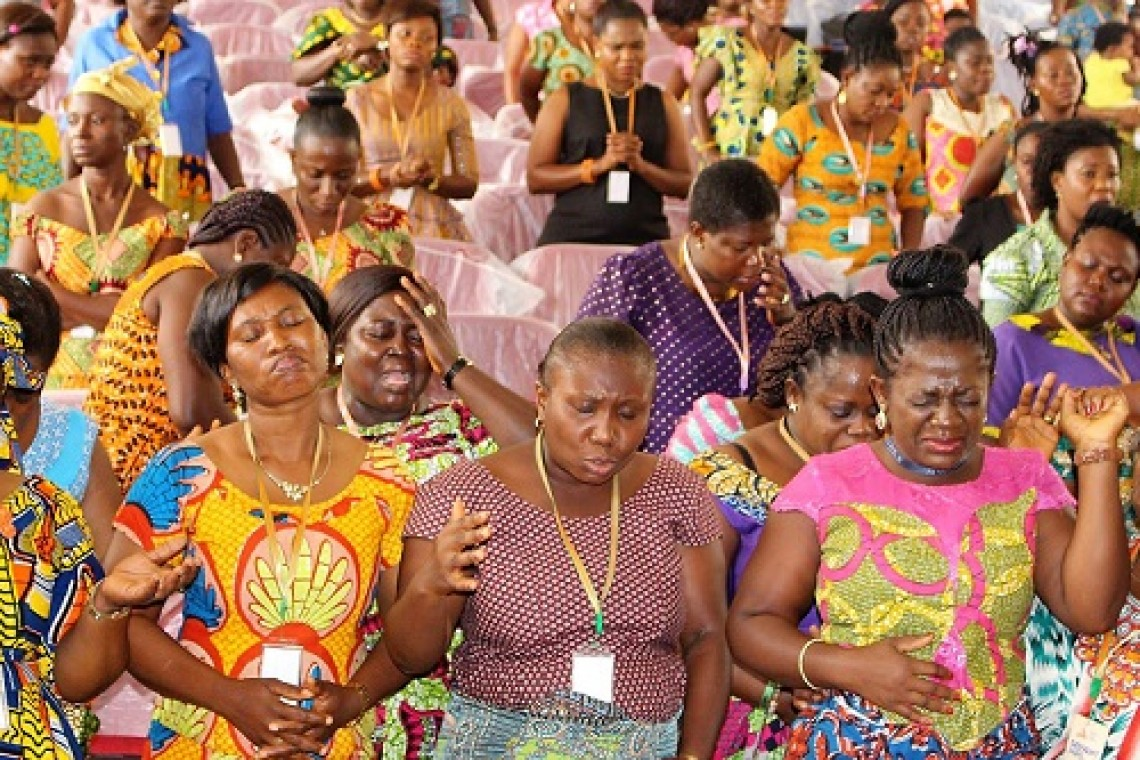 Wives prayer conference photo